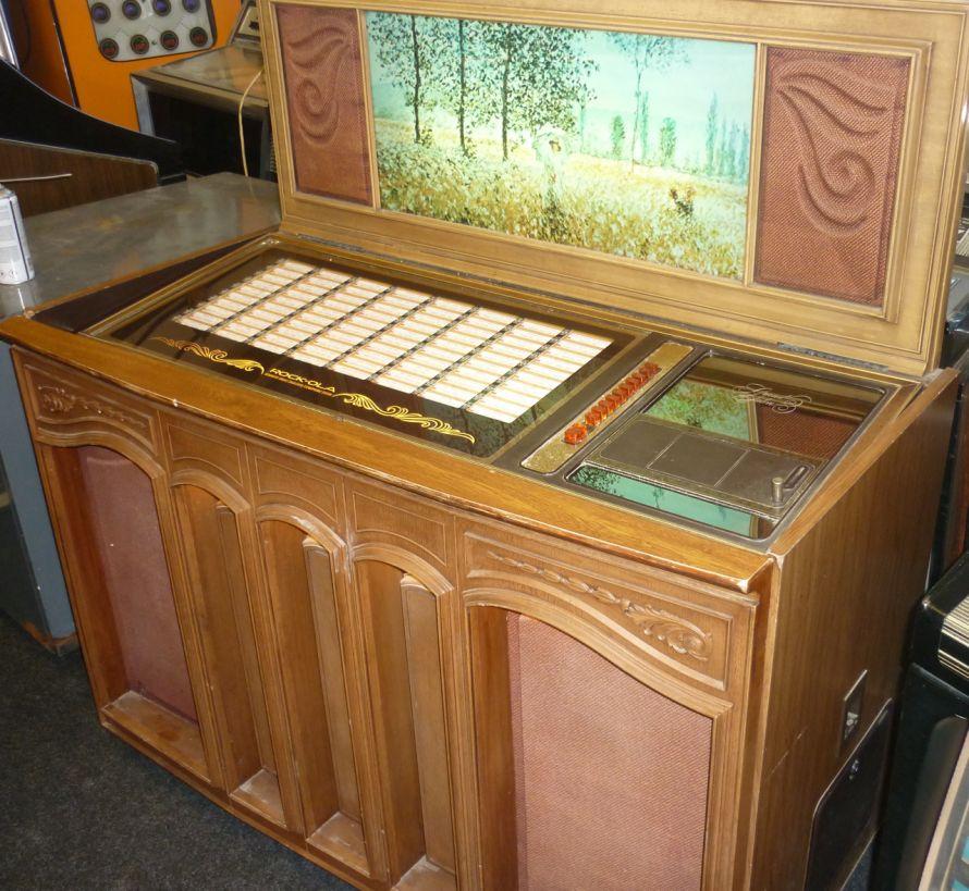 Just jukin 39 jukeboxes 1977 rock ola grand salon for Console salon